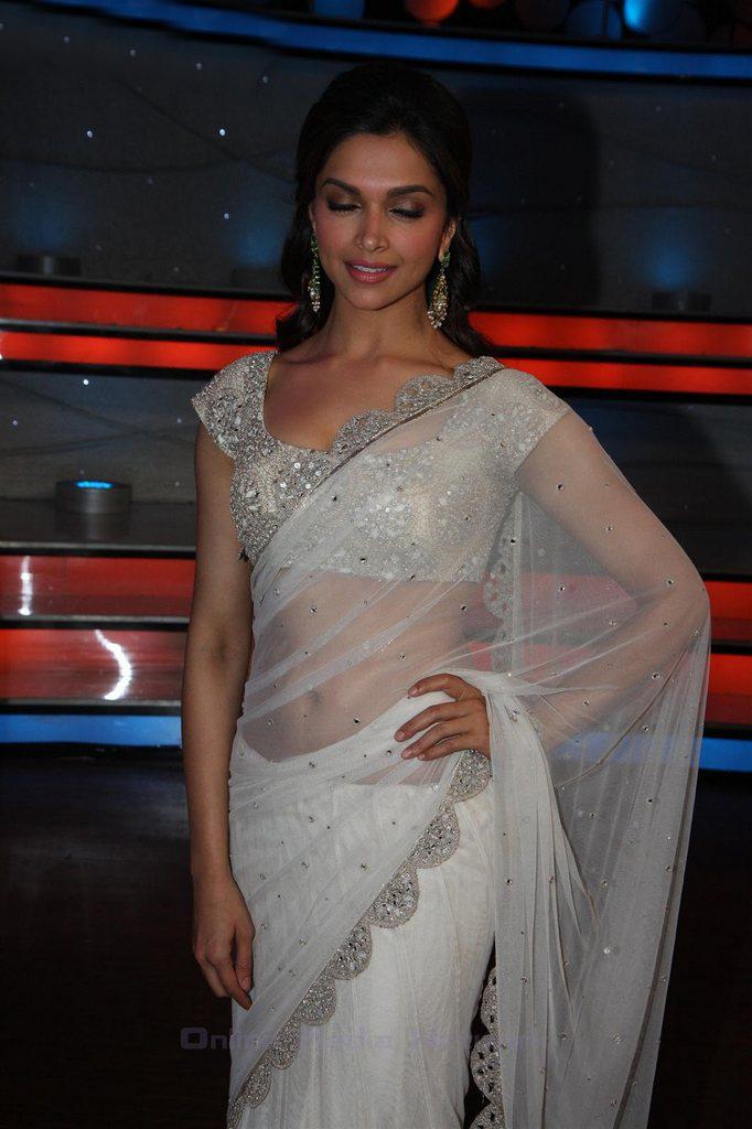 Deepika Padukone Latest in Saree