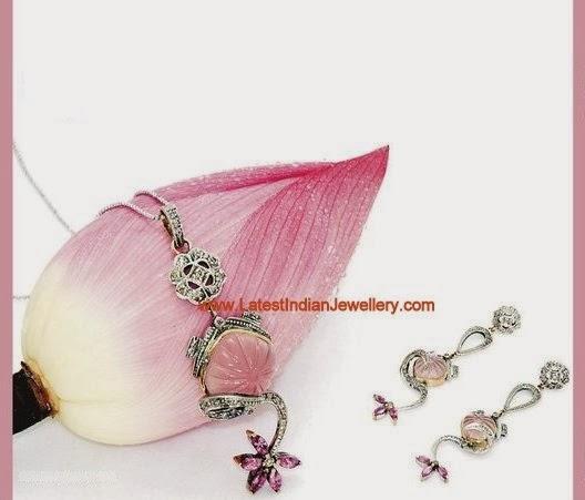 Cute Diamond Pendant set