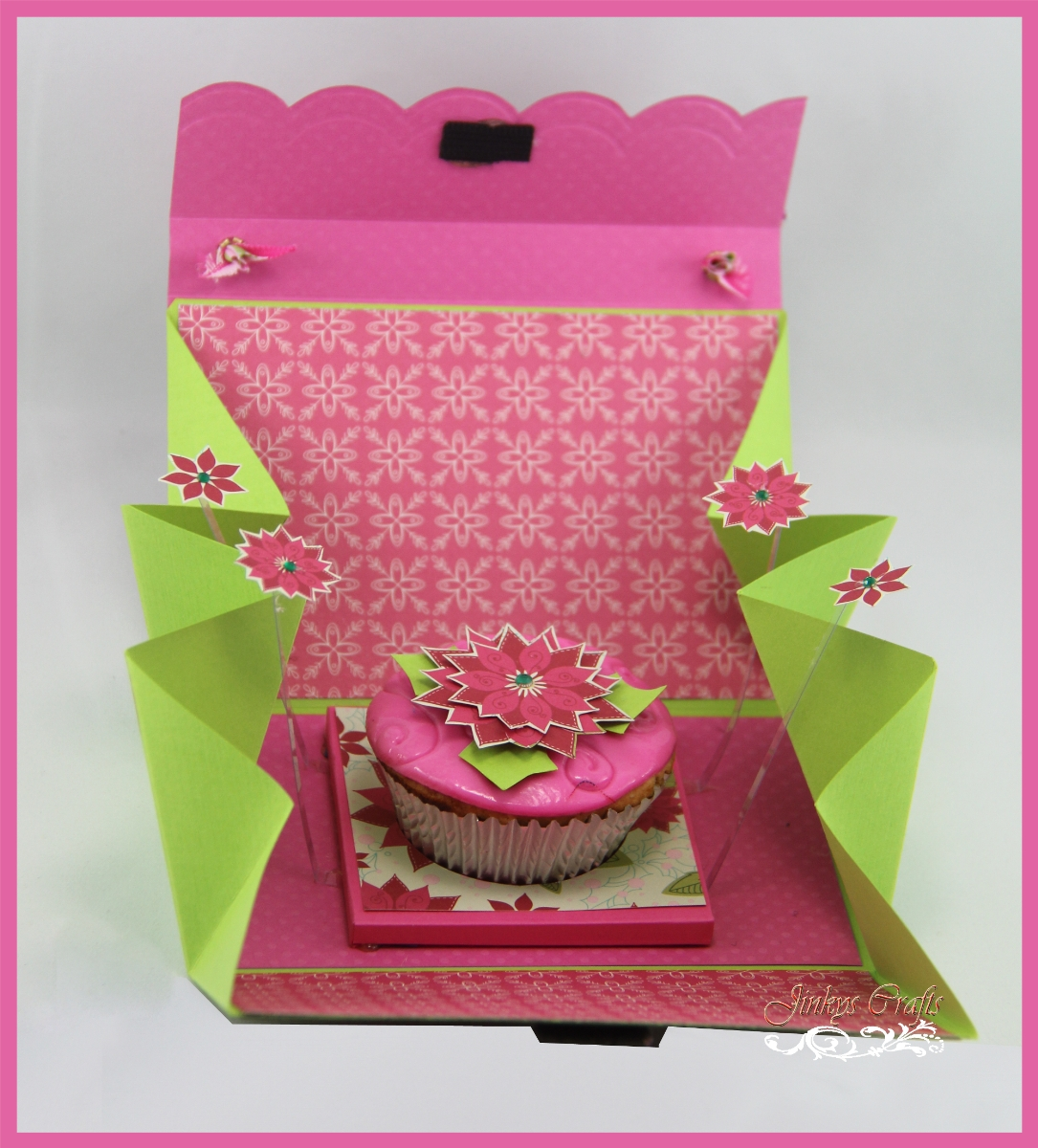 Jinky\'s Crafts & Designs: Exploding Cupcake Purse - Day 5
