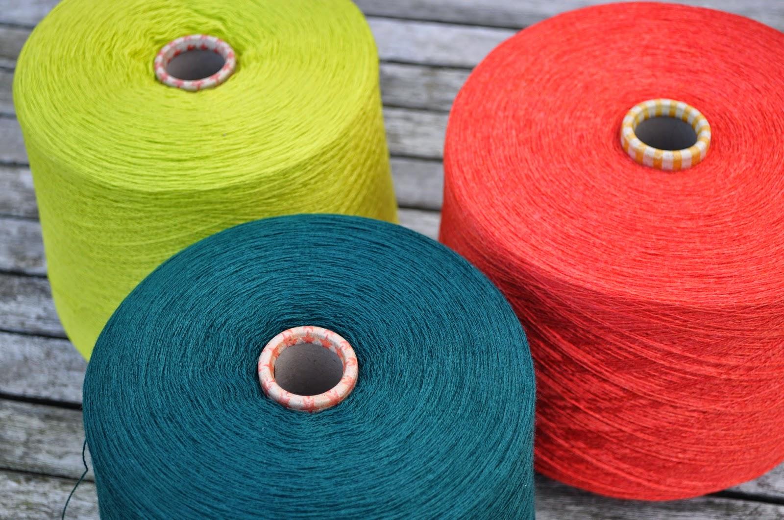 Nye lækre farver i det superfine Merino strikkegarn Amigo.