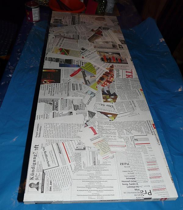 Schrank Mit Zeitung Bekleben recycelt natürlich regional dezember 2011