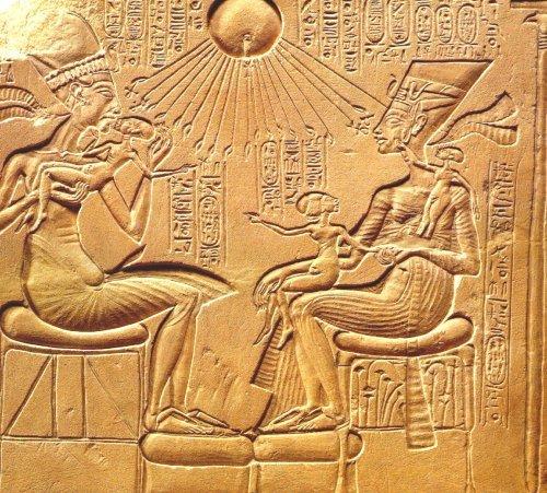 Ancient egyptian women headdress