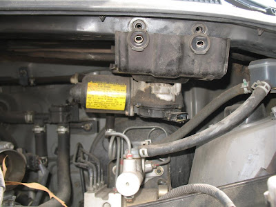 Toyota sienna wiper motor location get free image about for 2000 toyota sienna window motor