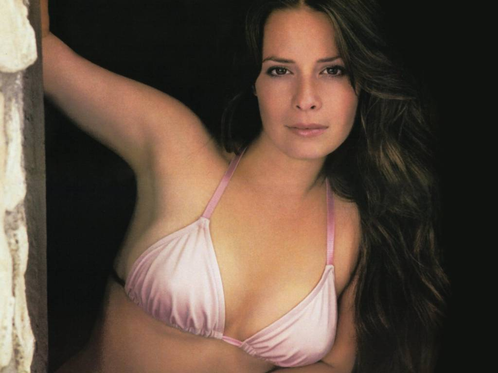 Sexy Holly Marie Combs Body Painting
