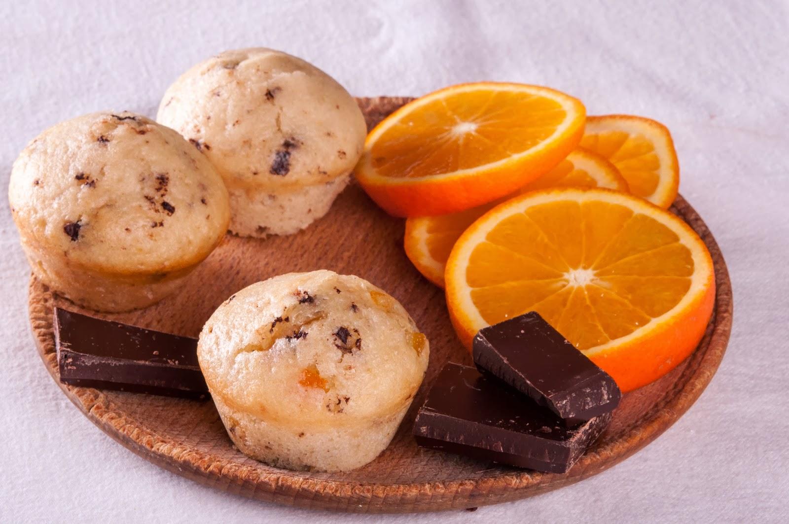 Портокалови мъфини с шоколад
