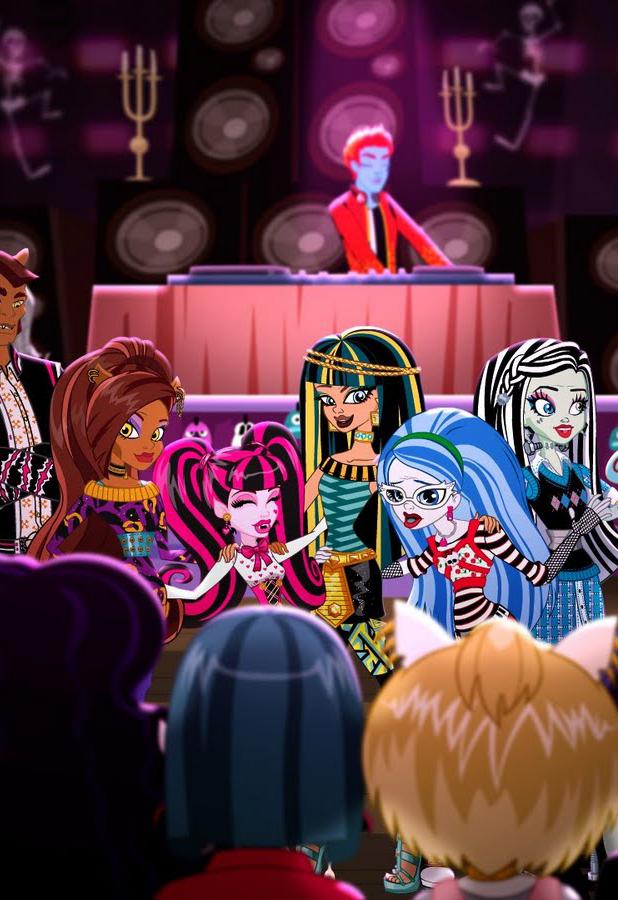Monster High: Guerra de colmillos (Colmillos contra pelo) (2011)