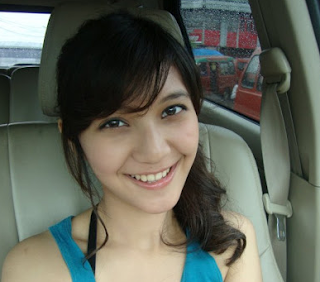 Blogs World: Profil Dan Koleksi Foto Terbaru Sheila Dara Aisha