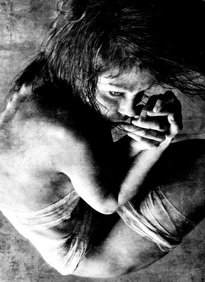 """ANSIEDADES, de André Cruchaga. Lamentablemente, desconocemos el autor de esta fotografía. Libro de Referencia:Salomón, """"El Cantar de los Cantares"""", Versión de Carlos Morales, El Toro de Barro 2003"""