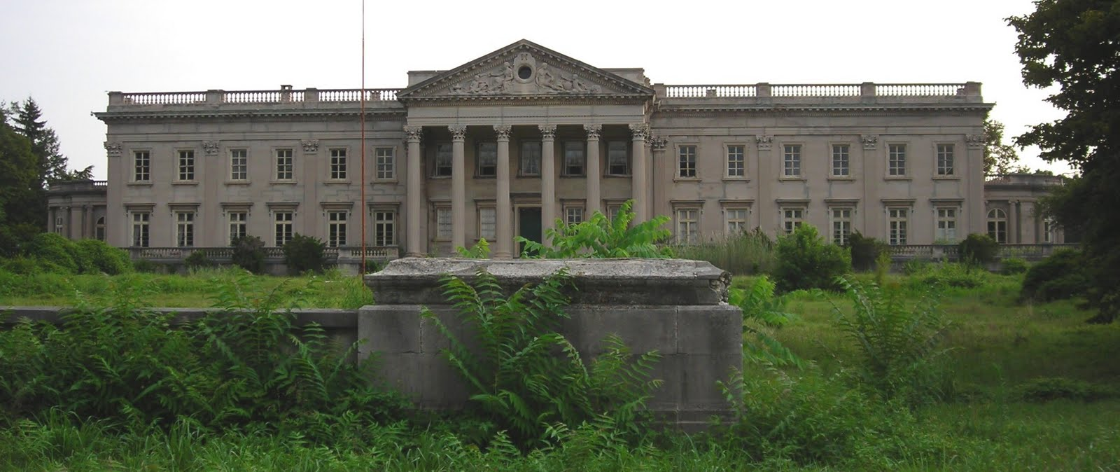 art and architecture mainly widener s sublime art treasures in by the end of the century he needed to polish up his image and lynnewood hall was the place to do that polishing