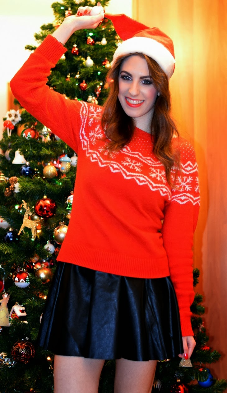 the sparkling cinnamon bokeh lights bokeh effect christmas 2013 christmas tree santa claus christmas outfit atmosfera natalizia outfit natale maglione renne dr martens parigine leather skirt cappello babbo natale