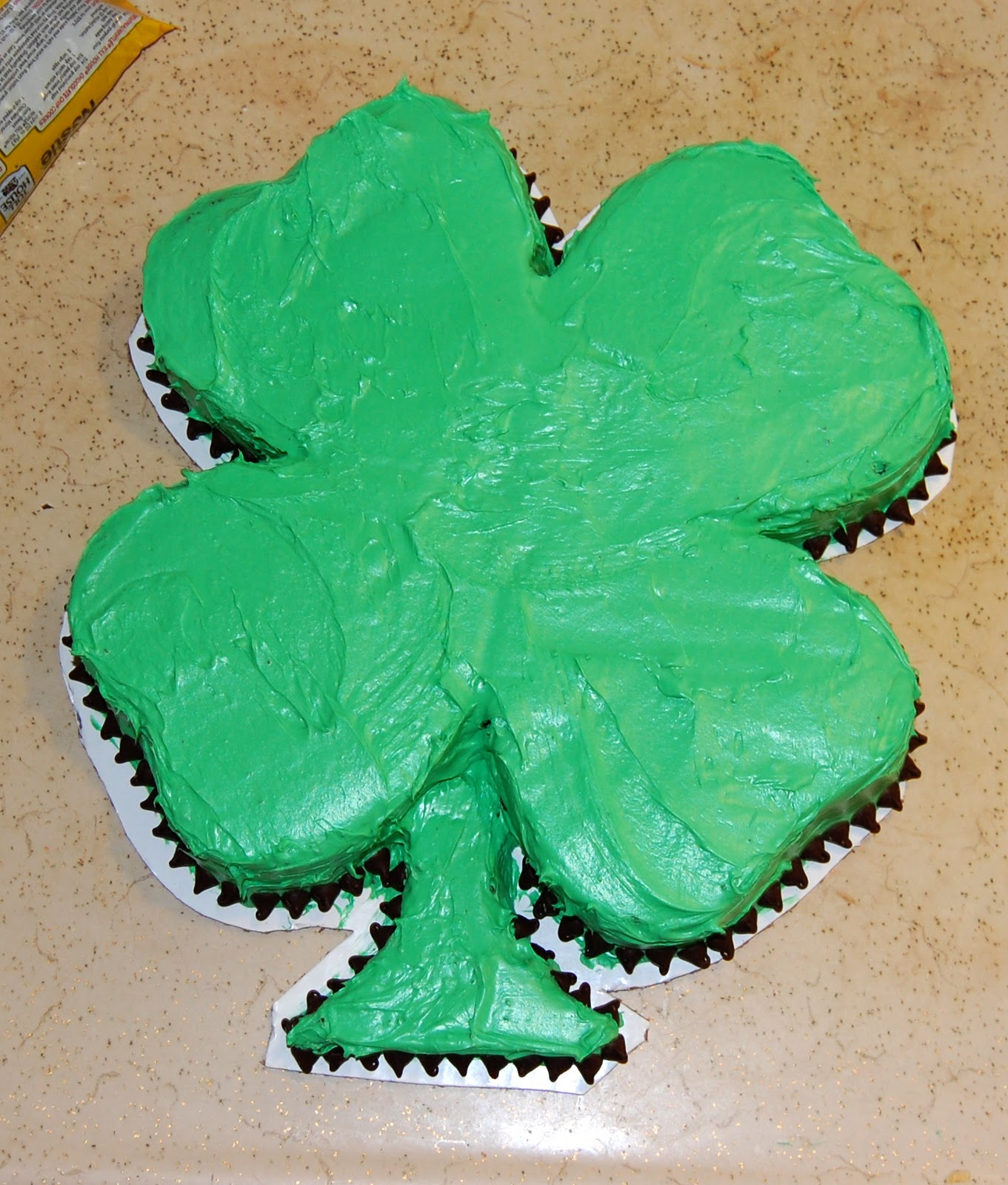 How To Make A Shamrock Shaped Cake