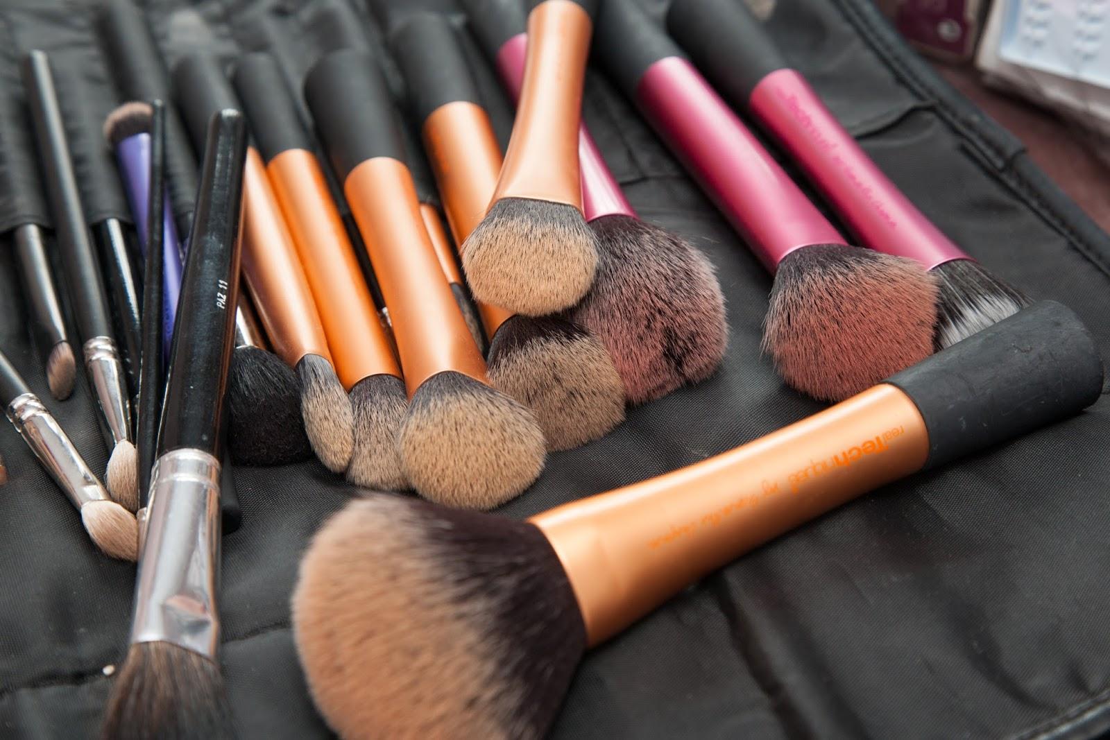 Wedding make up, morning prep, make up brushes
