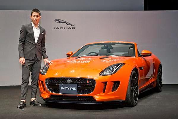Nishikori en el acto de presentación como embajador de Jaguar