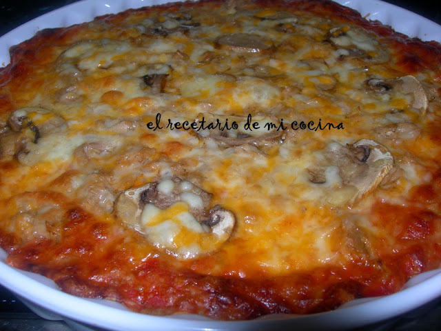 pizza esponjosa de atun y champis