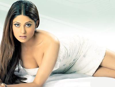 Bollywood Hot Actress Shamita Shetty Wallpapers ~ Bollywood Hot ...