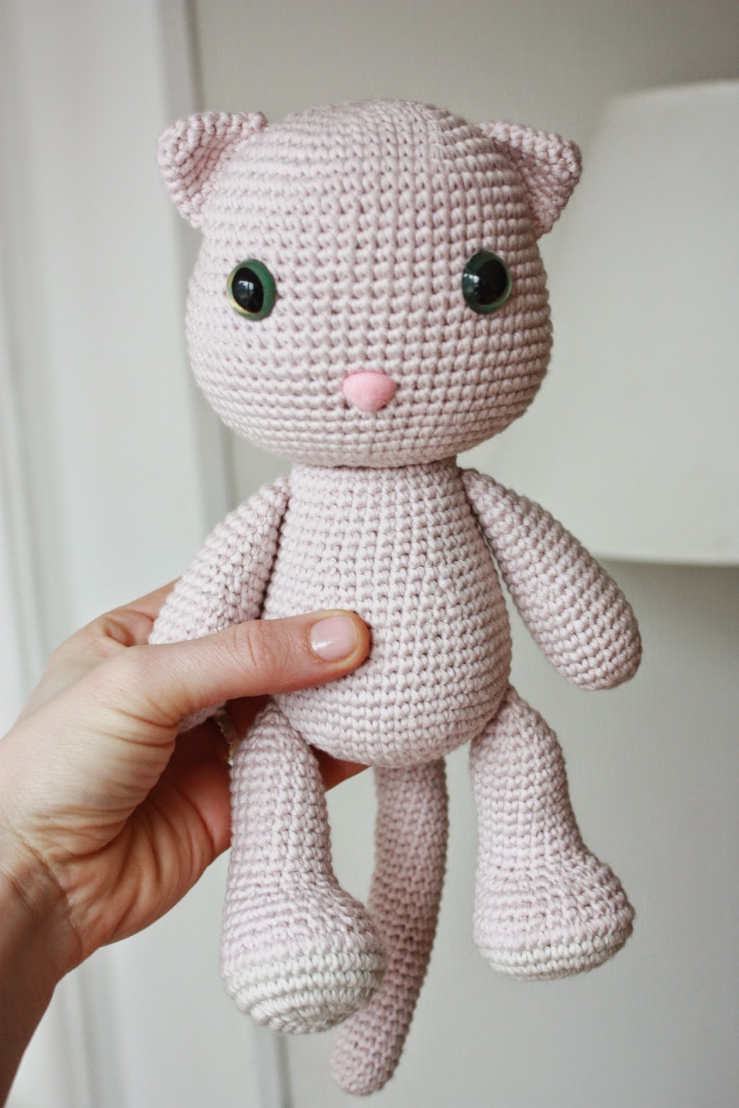 Free Little Kitty Cat Amigurumi Crochet Pattern And Tutorial : HAPPYAMIGURUMI: A New Pattern out now: Amigurumi Cat Pattern