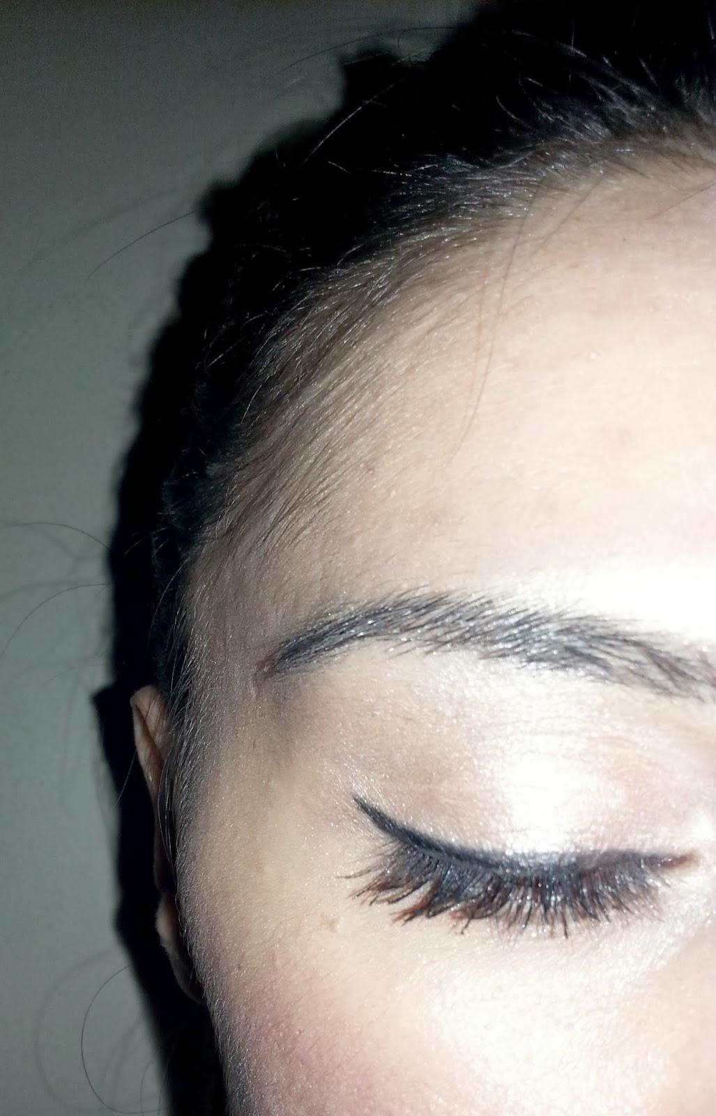 Göz Kalemi ve Eyeliner Kullanımı