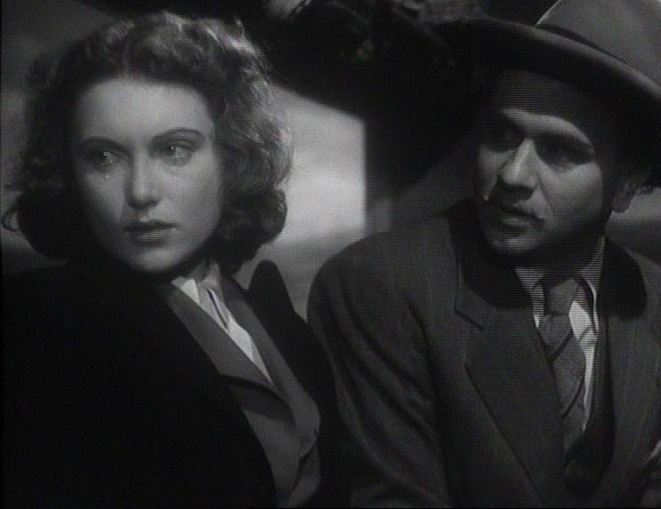 Risultati immagini per quattro passi tra le nuvole film 1942