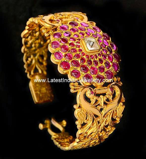 Antique Gold Burmese Rubies Kada