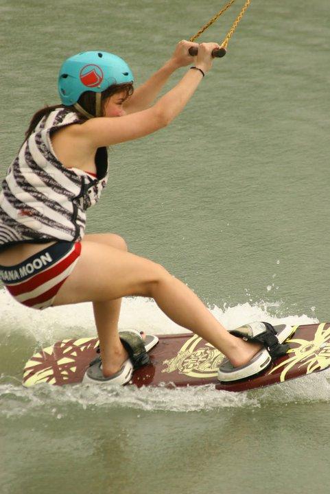 andi eigenmann bikini surfing 01