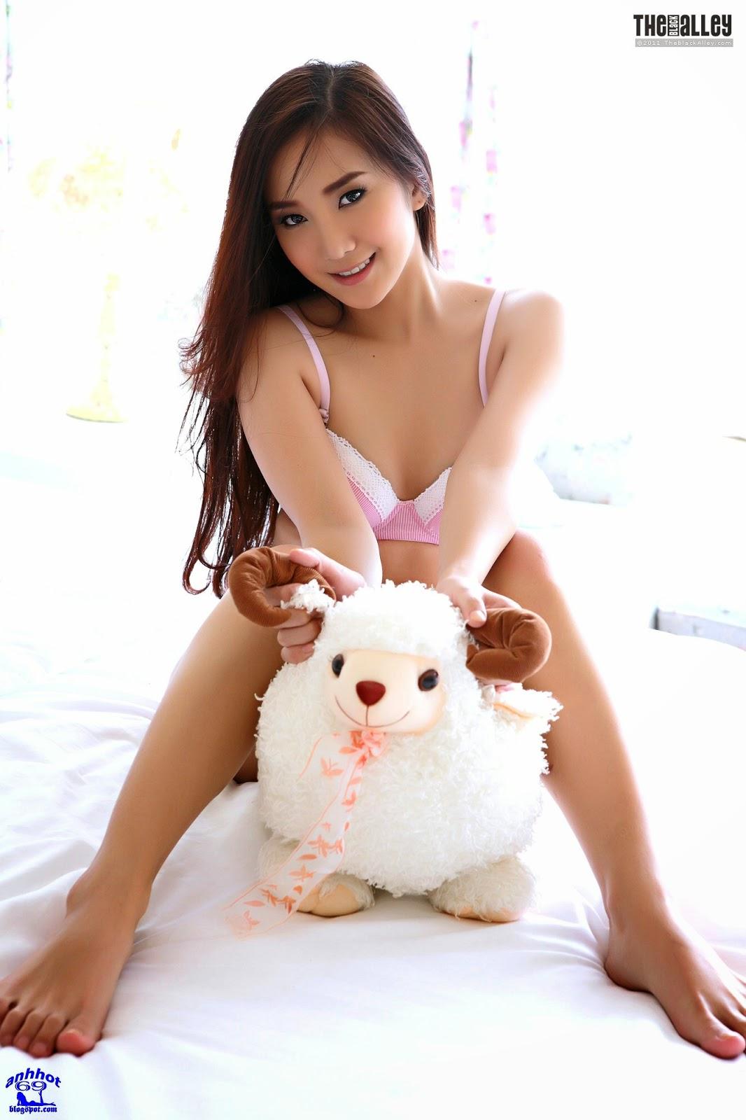lolita-cheng-64-024