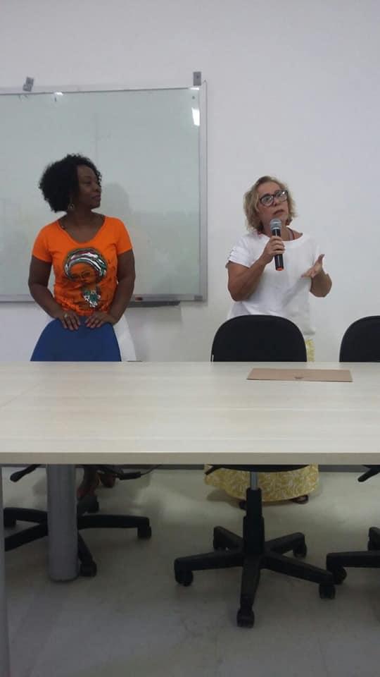 Práticas religiosas na escola de samba: UFBA - Salvador recebe jornalista Claudia Alexandre