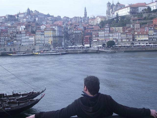Vistas a Oporto desde Vila Nova de Gaia, rio duero.