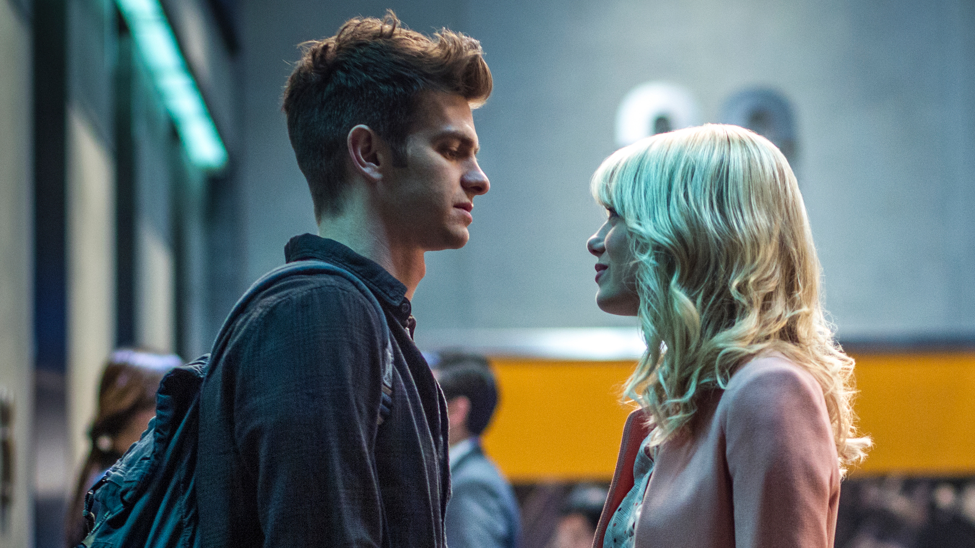 ... peter parker and emma stone as gwen stacy in the amazing spider man 2