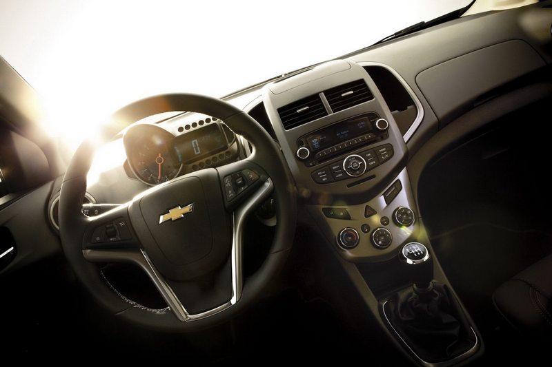novo Chevrolet Sonic 2014 interiror