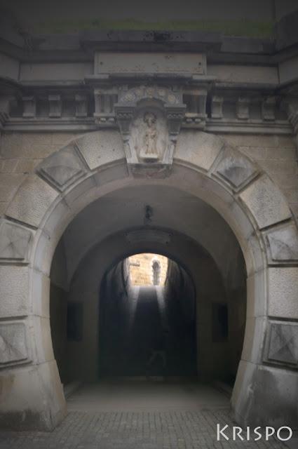 entrada exterior del fuerte de guadalupe de hondarribia