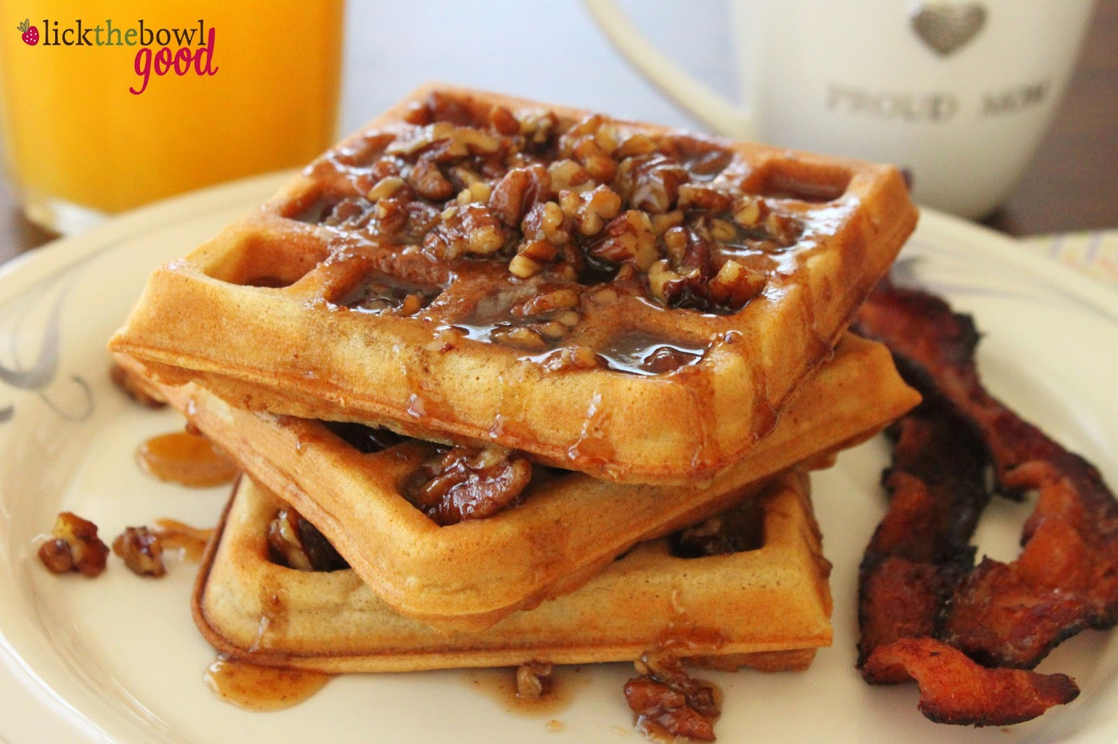A good waffle with cum for my whore aurore 3