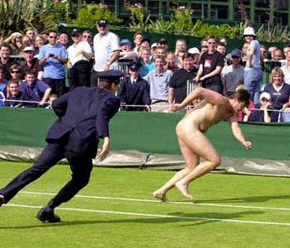 smešna slika: teniski huligan na terenu