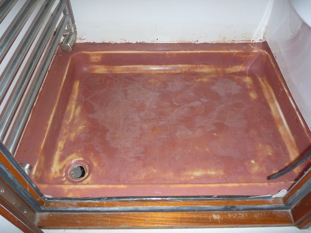 Fibreglass repairs to motorhome shower tray after fairing