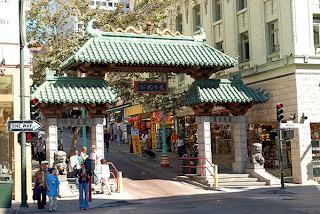 San Francisco Tour-in-China Town-gateway-entrance