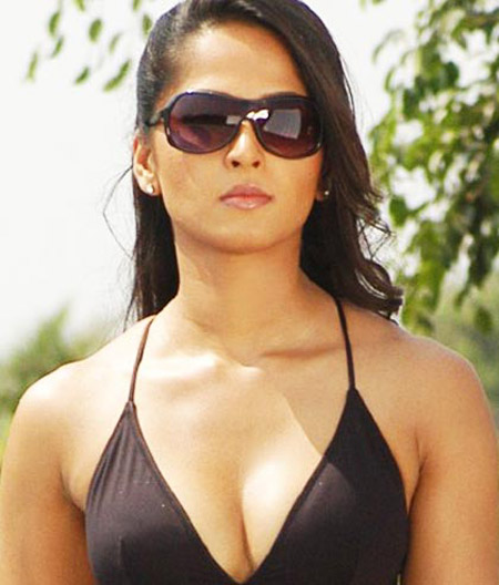 click for ANUSHKA all HOT BIKINI SEX WALLPAPERS 1