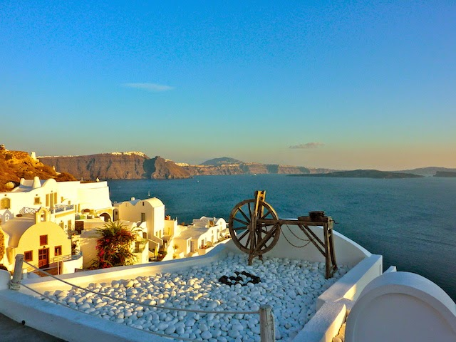 Holiday Nomad visiting Romantic Santorini