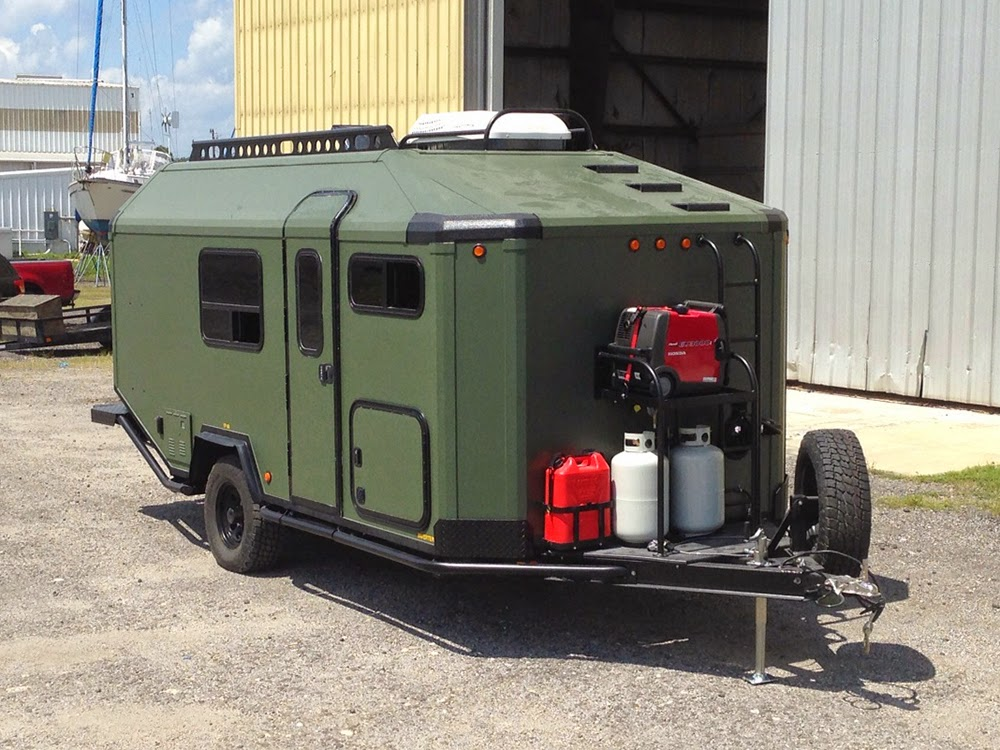 Offroad Camping Trailer mit Küche, Gas, WC