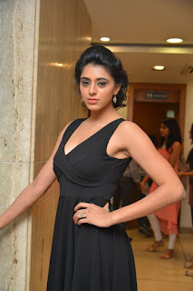 Nisha Solanki Pictures101913.jpg