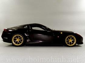 Xe mô hình tĩnh Ferrari 599 GTO Michael Mann hiệu Hot Wheels Elite tỉ lệ 1:18
