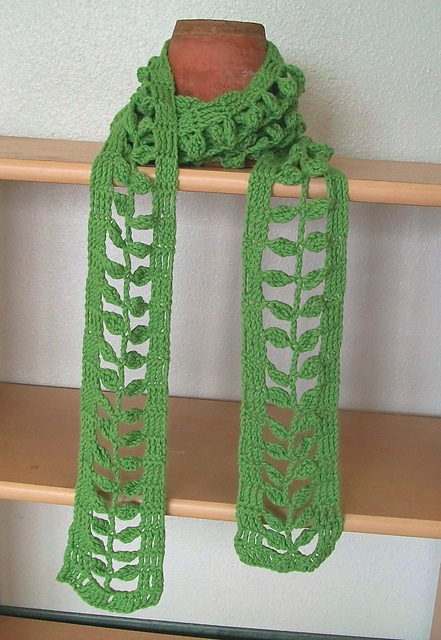 Crochet Scarf Pattern Leaf : Crochet For Free: Little Leaves Stitch and Scarf