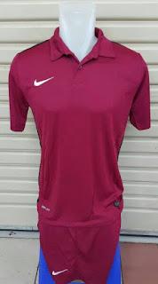 gambar detail dan toko online enkosa sport Jersey setelan futsal Nike Challenge warna Merah Maroon terbaru 2015