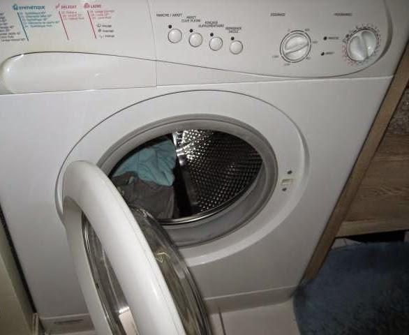 journal des fous elle rentre dans votre machine laver pour tester les r elles performances. Black Bedroom Furniture Sets. Home Design Ideas
