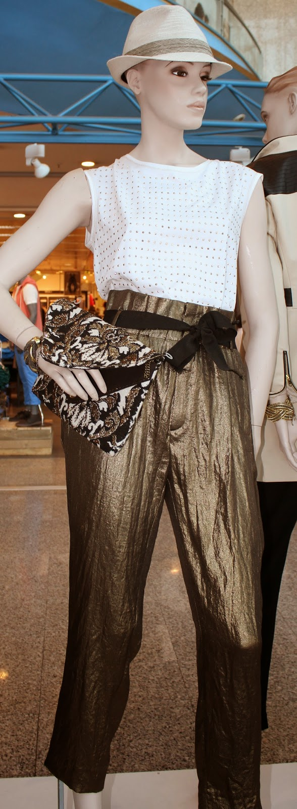 Br jula de estilo estrena moda estrena aniversario - Brujula de estilo ...