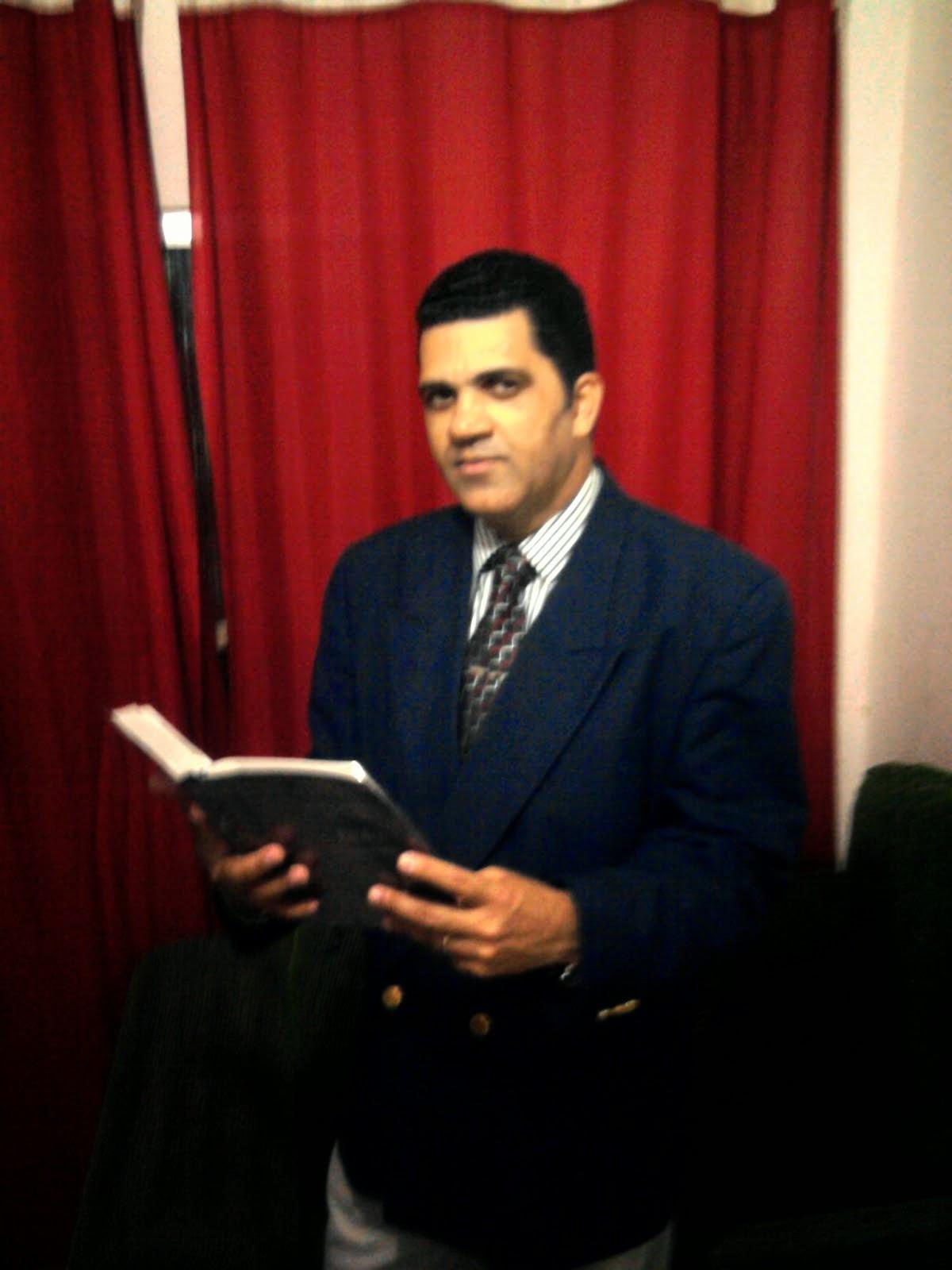 A Bíblia, o Livro do Pregador.