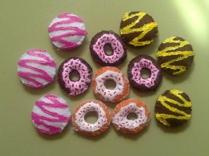 DIY fichas 3 en raya fieltro donuts y rosquillas