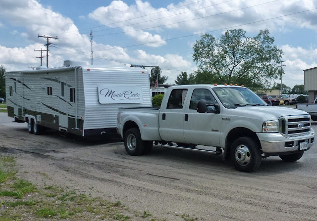 European delivery service for 5th Wheel, American Travel Trailers, Caravans, trailers, UK, Spain, France, fifth wheel delivery, American Travel Trailer delivery, Caravan delivery, trailer delivery. European towing service, UK Spain towing service.