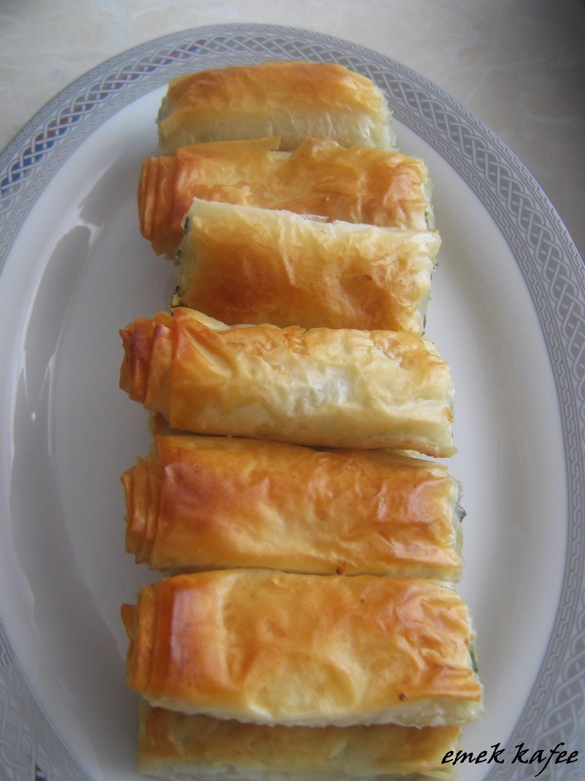 baklava yufkasından ıspanaklı börek