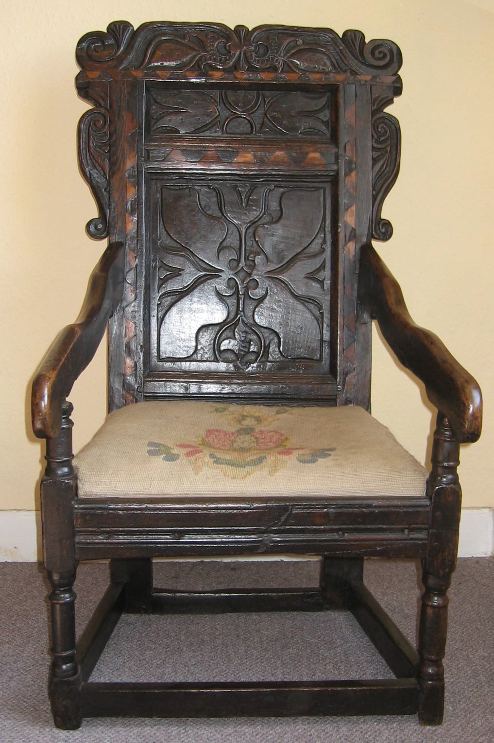 Reupholstering of antique chairs reupholstering chairs for How to reupholster a chair