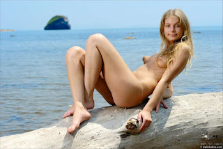 Teen Nude Girl - rs-Camille_-_Collectors_Cut_09_-_11-736265.jpg