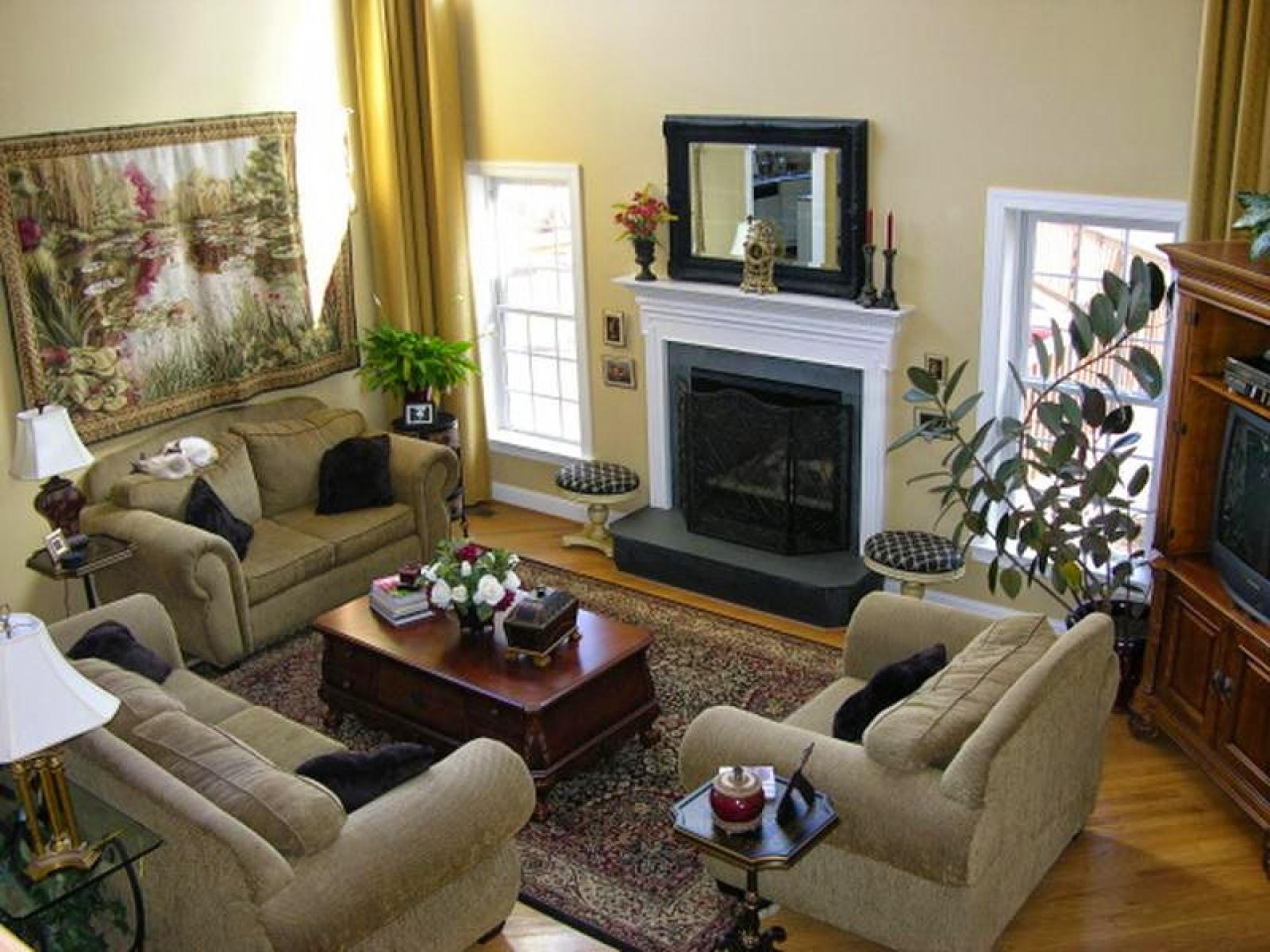 Family Room Decorating Ideas | Home Design Ideas And Inspiration  Onlycily.blogspot.com .